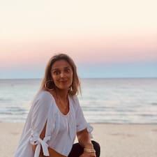 Delia felhasználói profilja