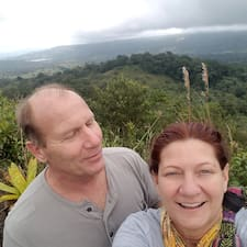 Profil Pengguna Mark And Becky