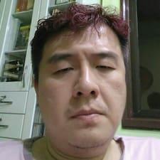 Hong Chee的用户个人资料