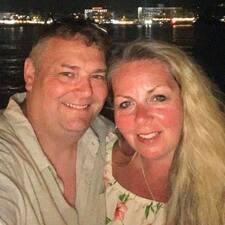 Michael & Maria felhasználói profilja