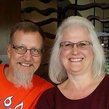 Paul & Jeanine felhasználói profilja