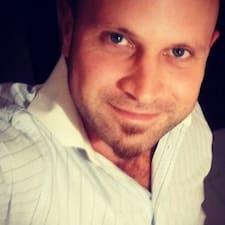 Profil utilisateur de Adrian Nicolas