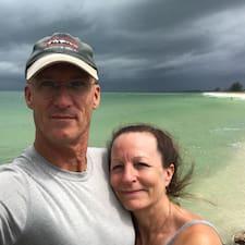Cindy And Steve è un Superhost.