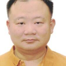 โพรไฟล์ผู้ใช้ Chow Wah