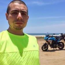 Profil Pengguna Héctor
