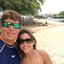 Martha And Gustavo Superhost házigazda.