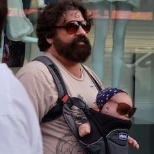 Brad est un Superhost.