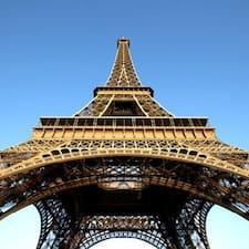 Parisさんはスーパーホストです。