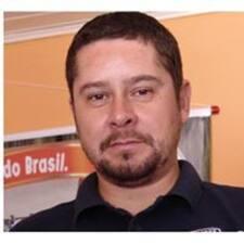 Perfil do utilizador de Carlos Eduardo