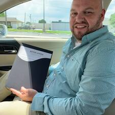 โพรไฟล์ผู้ใช้ Kevin