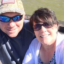 Profil Pengguna Walter And Carol