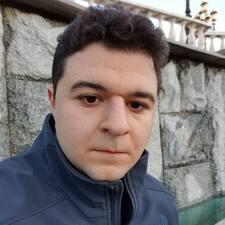Aram felhasználói profilja