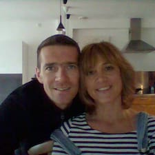 Cécile&Guillaume is a superhost.