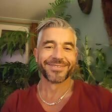 Jean Luc felhasználói profilja