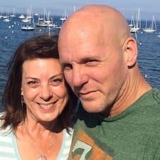 Tom And Christine Superhost házigazda.