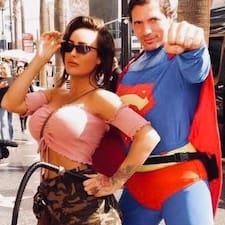 Sarah es Superhost.