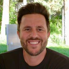Profil Pengguna Chris