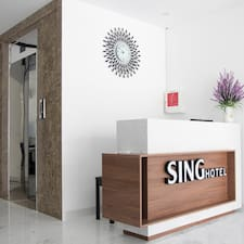 Sing is a superhost.
