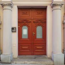 host-0