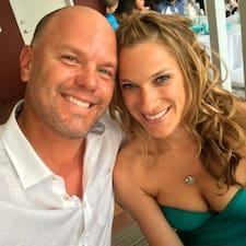 โพรไฟล์ผู้ใช้ Meredith & Eric