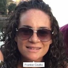 โพรไฟล์ผู้ใช้ Francesca