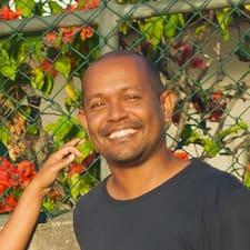 Jean-Lou felhasználói profilja
