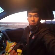YoungKwang felhasználói profilja