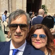 Renato & Maria är en Superhost.