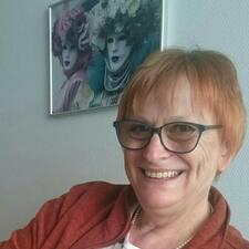 โพรไฟล์ผู้ใช้ Katharina (Katja)