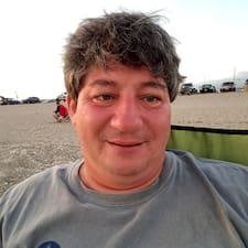 Profil Pengguna Roy