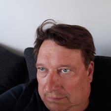 Veli-Pekka User Profile