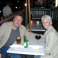 Profil Pengguna Paul And Becky