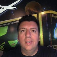 Profil Pengguna Maximiliano