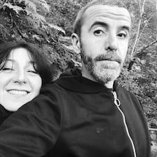 โพรไฟล์ผู้ใช้ Aurélie&Frank