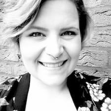 Kelly-Ann Kullanıcı Profili