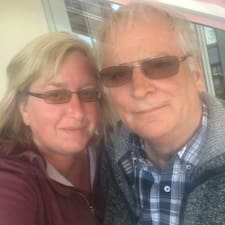 Profil korisnika Geoff & Valerie