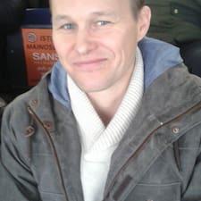 Profil Pengguna Tuomas