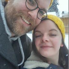 Brittany & Curtis felhasználói profilja