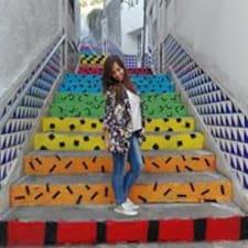 Joana L. User Profile