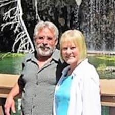 Steve & Rebecca felhasználói profilja
