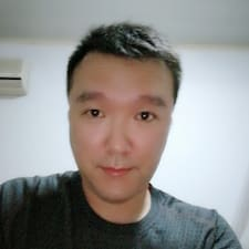 怿 User Profile