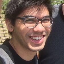 Потребителски профил на James