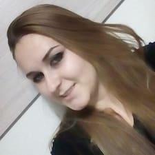 Lucia felhasználói profilja