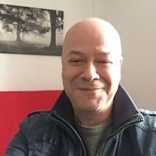 José Antonio on supermajoittaja.