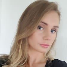 Profil Pengguna Evelina