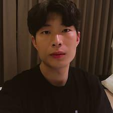 DongHwan felhasználói profilja