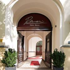 Rewari Hotel Berlin คือเจ้าของที่พักดีเด่น