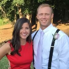 Profil Pengguna Julia & Michael
