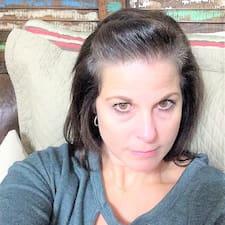 Profilo utente di Kelly Renee