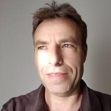 Bernhard felhasználói profilja